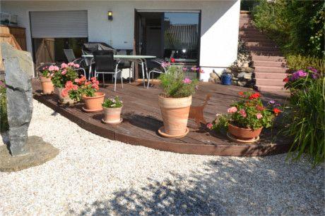 *Bezauberndes Reihenhaus in sonniger ruhiger Lage mit Garten, Teich und schöner Blickbeziehung*