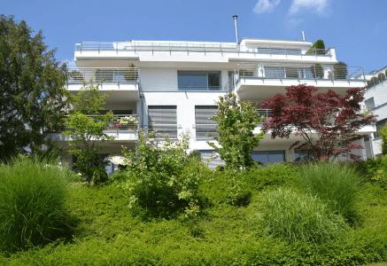 Killesberg: Herrliche 248m²-Wohnung in TOP-Aussichtslage mit drei Stellplätzen