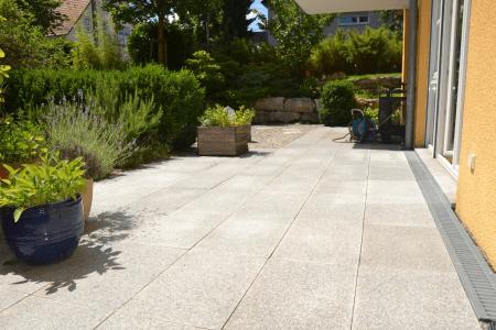 Reizende 4,5 Zi.-Erdgeschosswo. mit idyllischer Südterrasse und Garten in ruhiger zentraler Lage