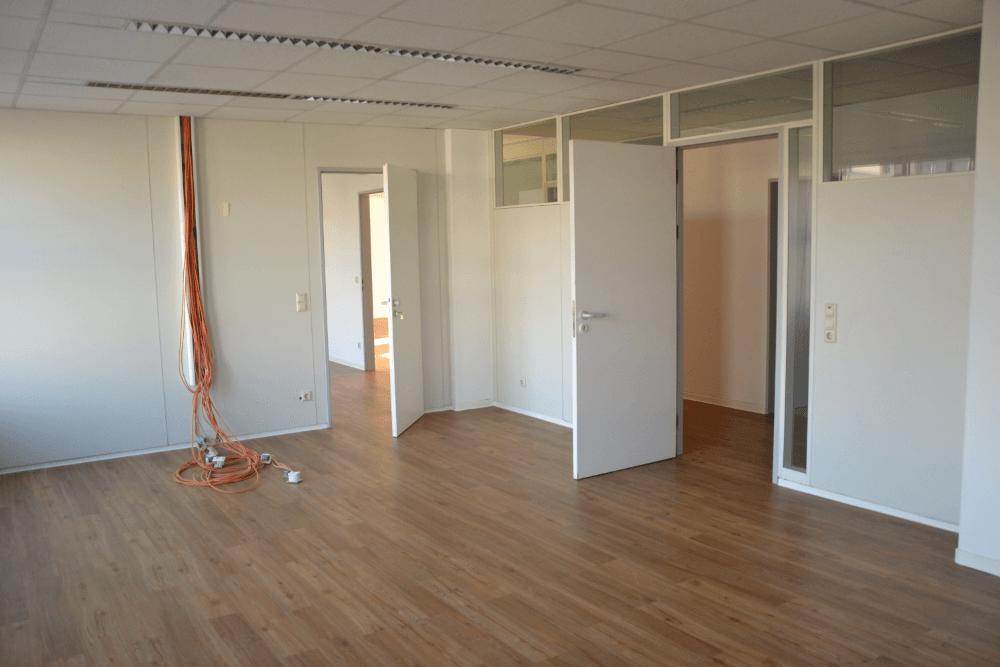 Teilbare Büro-/Praxisräume in zentraler Lage, 287 m² zu vermieten, Fassadenwerbung möglich