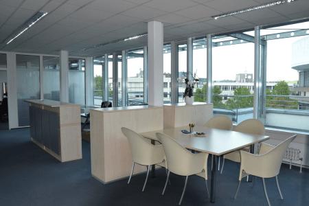 **Hier arbeitet man gern! Modernes Büro- mit Terrasse in bester Lage**