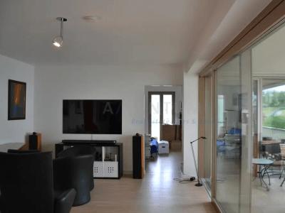 KILLESBERGHÖHE: Lichtdurchflutete Luxuswohnung mit 4,5 Zimmer