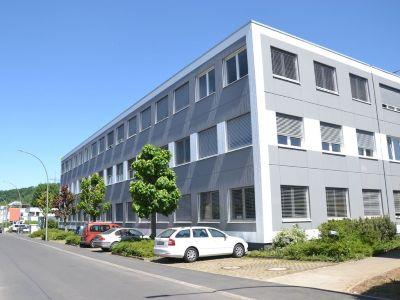 Lukrative Gelegenheit: zwei vermietete Geschäftshäuser in Deizisau mit 7,3% Mietrendite