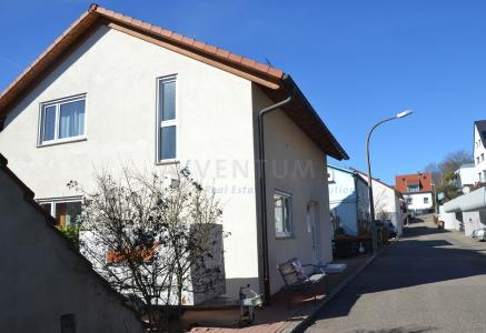 * Freistehendes sonnendurchflutetes Einfamilienhaus in Anliegerstraße *